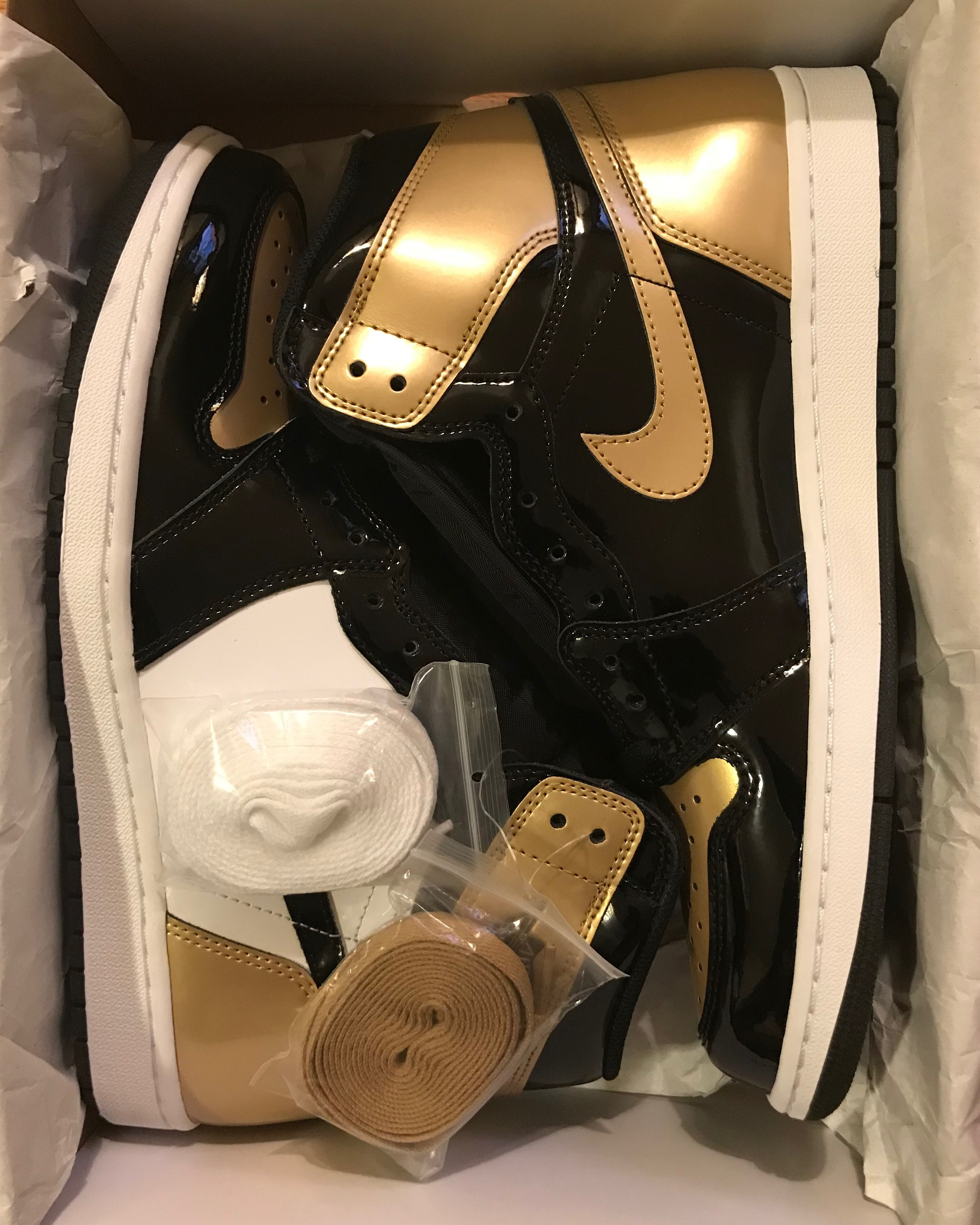 jordan 1 retro gold toe