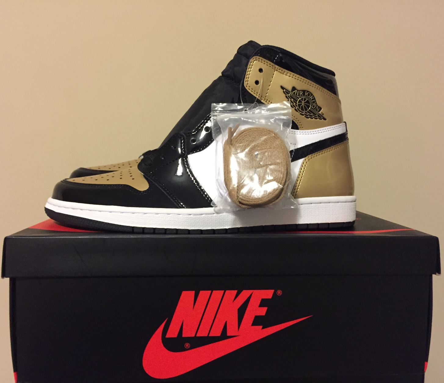jordan 1 retro gold toe1
